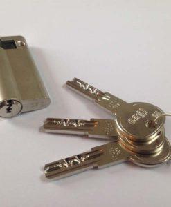 Iseo Cilinder half 45-10 SKG** met 3 sleutels